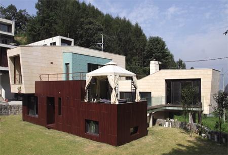 [건축가의 집] 땅과 밀착한 지렁이 집 광주 326.3㎡(98.9평) 복층 ...